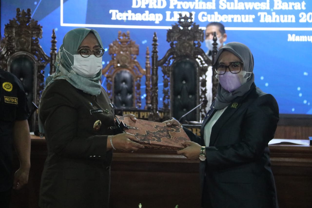 Wagub Sulbar Hadiri Rapat Paripurna Penyerahan Rekomendasi LKPJ Gubernur T.A 2020