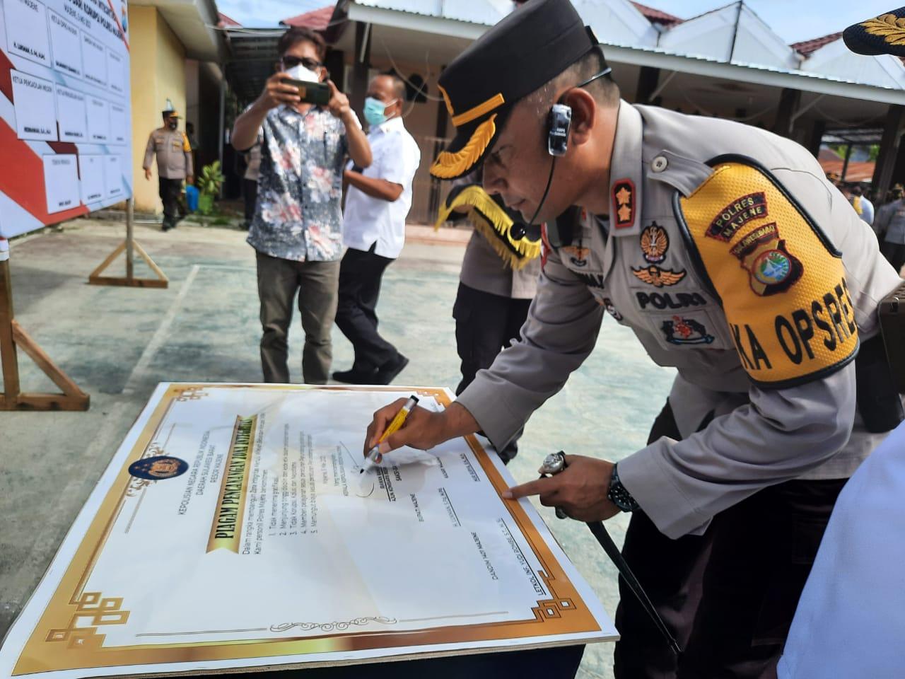 Komitmen Menuju Zona Bebas Korupsi, Polres Majene Gelar Penandatangan Pakta Integritas