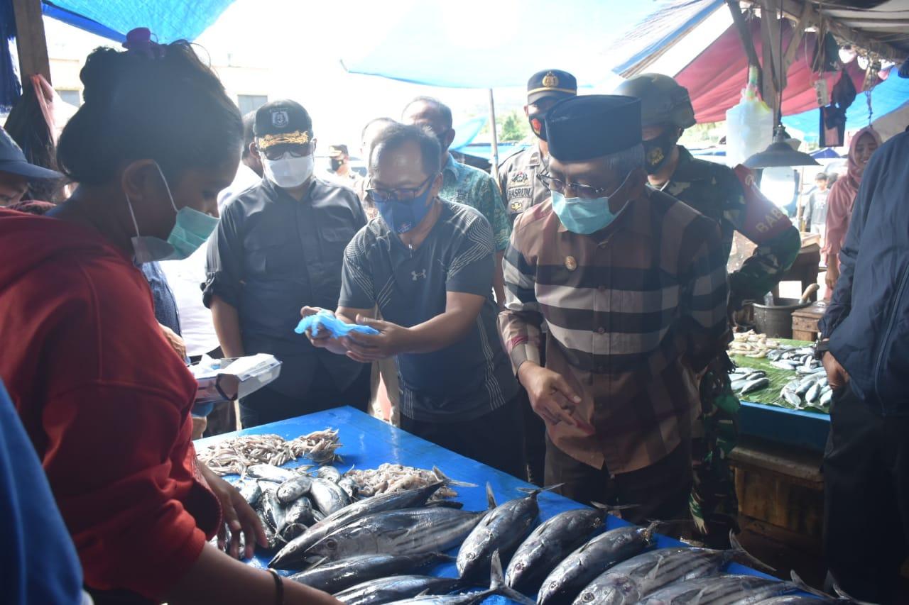 Jelang Idul Fitri, ABM Sidak Pasar di Mamuju