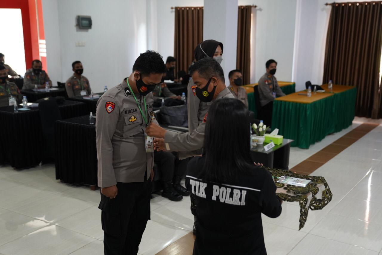 Personil Polda Sulbar Ikuti pelatihan operator Command Center