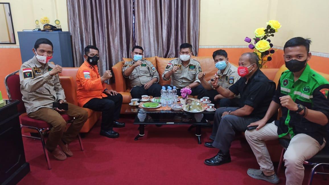 RAPI 34 Sulawesi Barat Anjangsana ke Kantor BASARNAS Mamuju