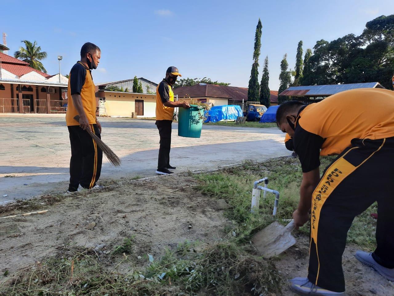 Waka Polres Majene : Bersih itu Cerminan Pribadi yang Baik