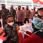 Panglima TNI dan Kapolri Tinjau Vaksinasi Massal di SUGBK