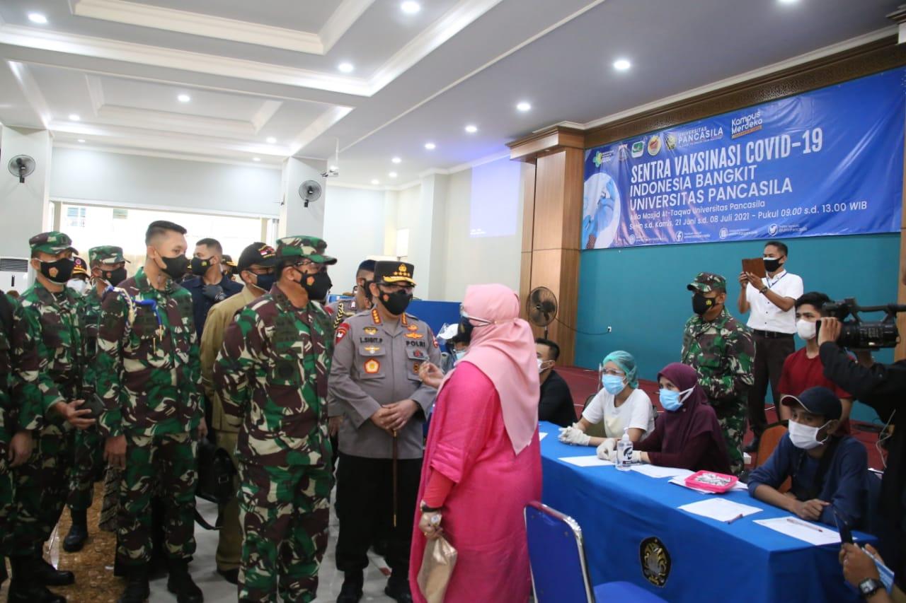 Panglima TNI dan Kapolri Ajak Civitas Akademik, Pemuda hingga Ormas Terlibat Aktif Percepat Vaksinasi