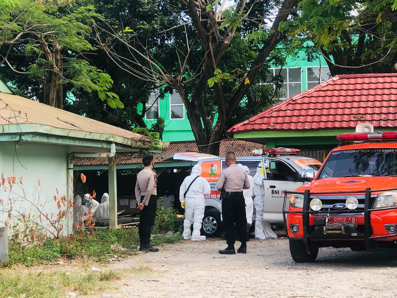 Polres Majene Kawal Jenazah Hingga Ke Lokasi Pemakaman