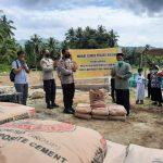 Kapolres Majene Serahkan Bantuan Wakaf Semen Pembangunan Masjid Tahfiz Qur'an