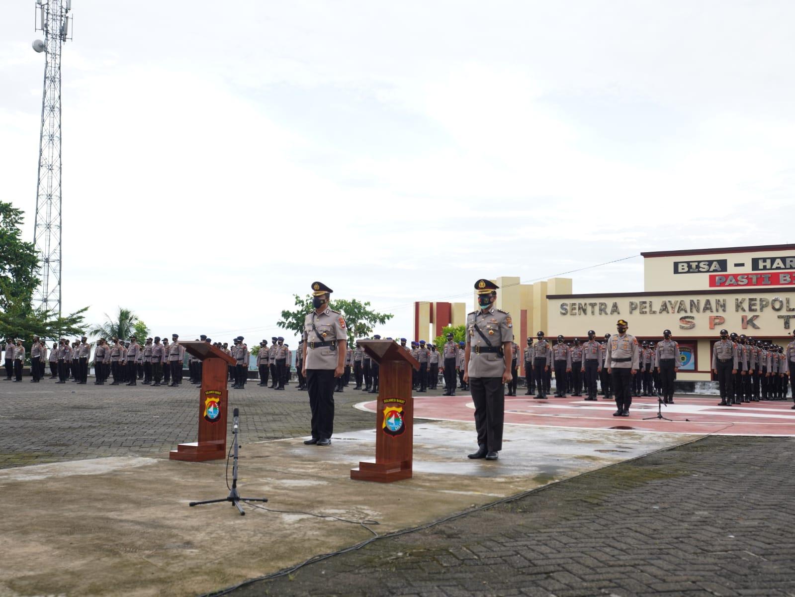 Kapolda Sulbar Pimpin Sertijab Kepala Biro SDM
