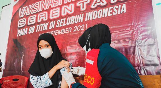 Polres Mamuju Tengah Laksanakan Vaksinasi Merdeka Serentak di SMA Negeri 1 Topoyo