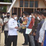 Gubernur Sulbar Serahkan 8.580 Sertifikat Tanah