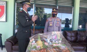 HUT TNI Ke 76, Polres Polman Beri Kejutan ke Kodim 1402/Polman