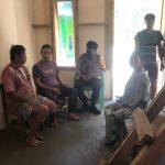 Bhabinkamtibmas Desa Botteng Induk Ajak Aparat Dusun Sosialisasi Vaksinasi