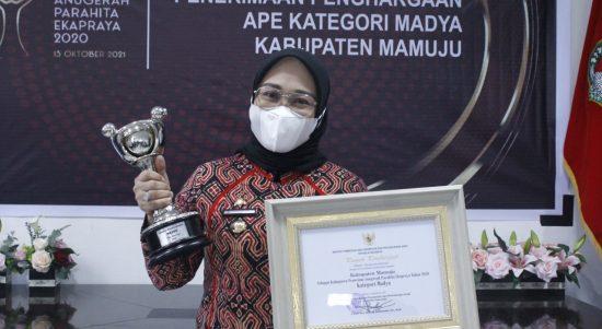 Mamuju Raih Penghargaan APE 2021 Kategori Madya